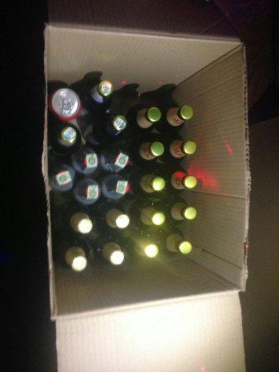 Нікопольські поліцейські під час рейду вилучили неліцензійний алкоголь (фото)